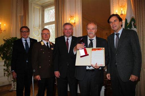 Geschäftsführer u. Feuerwehrmitglied WIPFLER ANTON bei der Verleihung im Weissen Saal in der Grazer Burg ( Bilder BFV-Voitsberg )