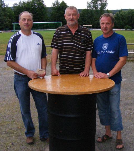 von links: Josef Lobinger, Anton Appl, Abteilungsleiter Hermann Kick