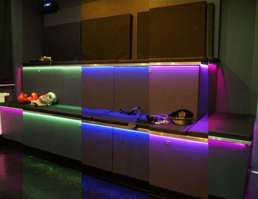 Choisi l'ambiance de la playroom en fonction de la gamme des couleurs.