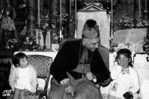 1958-Carballo-do-Lor-obispo-niñas-Carlos-Diaz-Gallego-asfotosdocarlos.com
