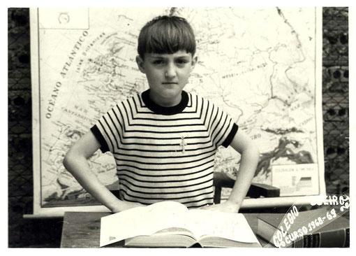Mariano en el curso 1968-1969, cuando deseaba tanto una pequeña Mini Marcelino