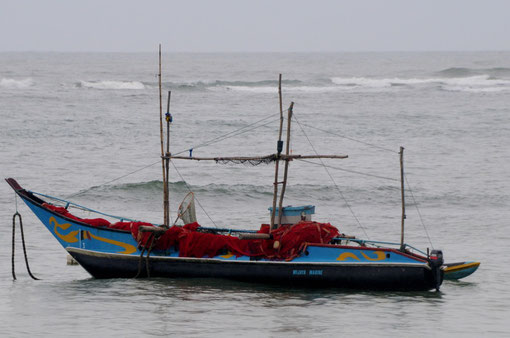 Fisherboat at Weligama