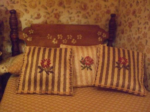 y con el mismo método, unos cojines para la cama de la habitación infantil