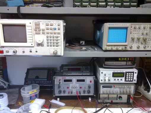 Advantest R3361a e Tektronix 2465b