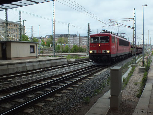 Am 13. Mai 2013 durchfährt 155 019-3 mit ihrem Autoleerzug in hohem Tempo Chemnitz Hbf.
