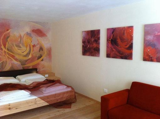 Rosenzimmer - Künstlerische Gestaltung Hotelzimmer, Vitalhotel Rainer, St. Walburg, Südtirol