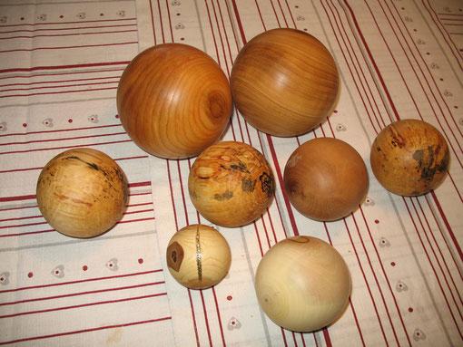 Diverse Holzkugen