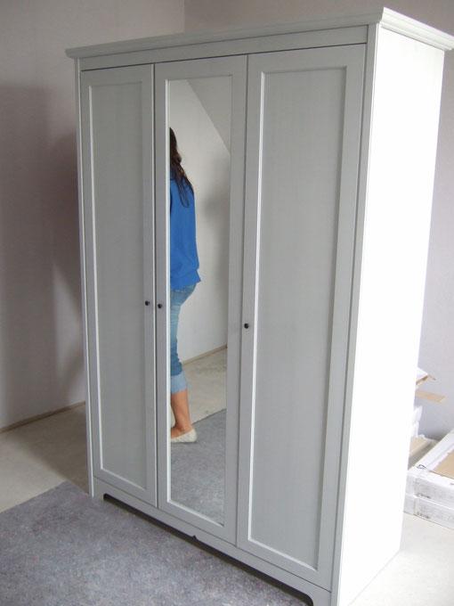 Kleiderschrank fürs Babyzimmer