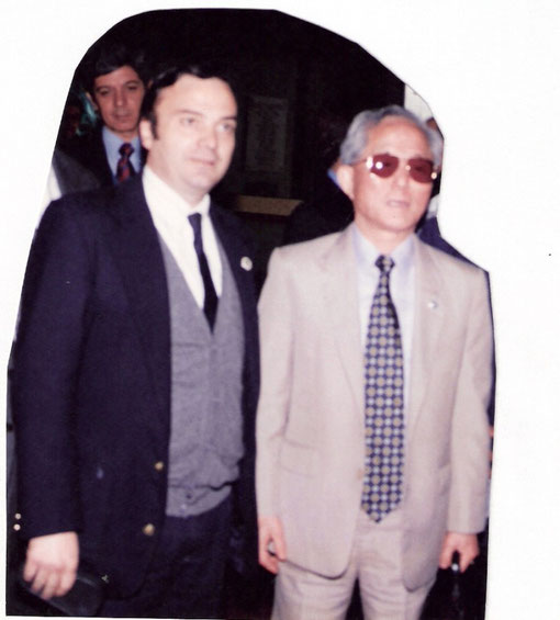De izquierda a Derecha: El creador del Taekwon-do El General CHOI HONG JI y el Instructor Ilvento Ricardo Andrés - San Miguel de Tucumán - Tucumán - Argentina -