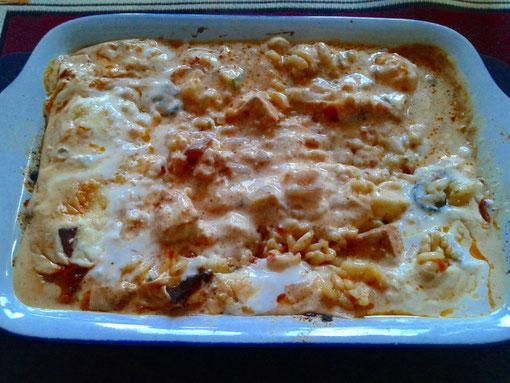 Tofu-Kirschtomaten-Zucchiniauflauf