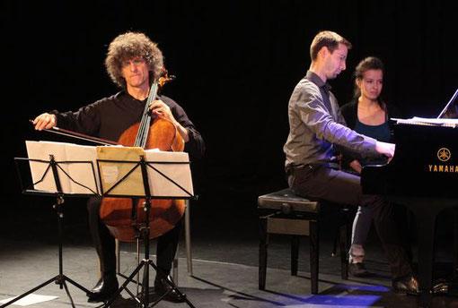Konzert auf dem Zeit-Areal: Walter-Michael Vollhardt (links) und Clemens Flick Foto: Haberer