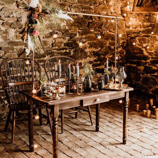 Stehtisch klappbar holz rustikal rustic look mieten verleih Onlineshop Hochzeit party Natur tischleihendeckdich Tischlein deck dich