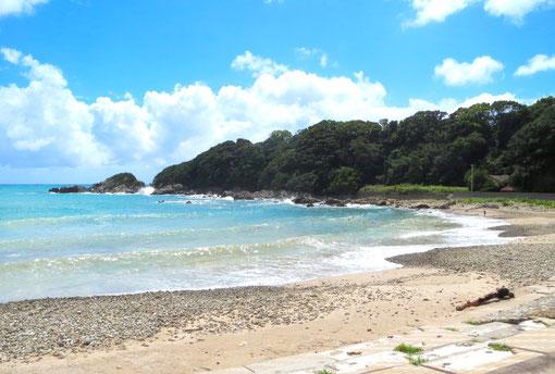 2012/8/26 沖縄に台風接近、波で遊ぶ風景