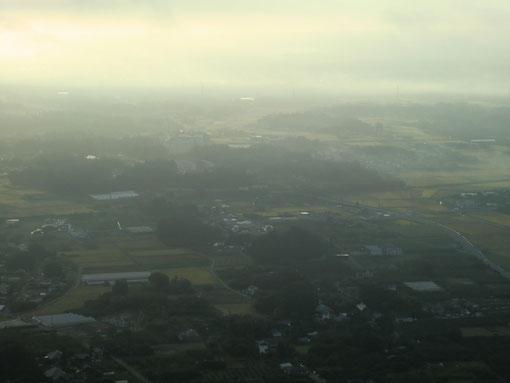 岩間の朝曇り