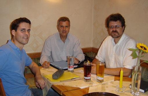 Von links: Reto Studer, Thomas Illi, Giorgio Girardet anlässlich der Gründungsversammlung der EVP Bubikon