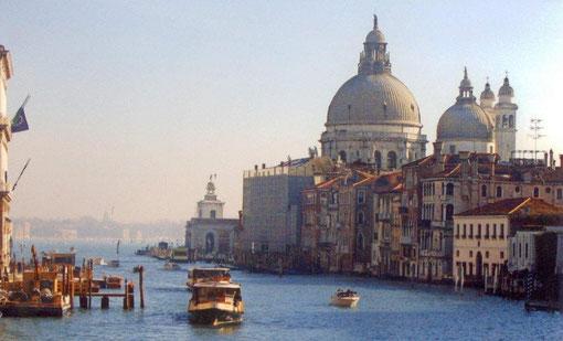 Venise et Conflans,gondoles et péniches, rêvons ensemble au fil de l'eau!