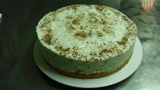 Ananas-Yogurette-Torte, 22,00 €