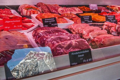 Fleisch aus der Region – so spiegelt sich der Niesen gar in unserem Buffet...