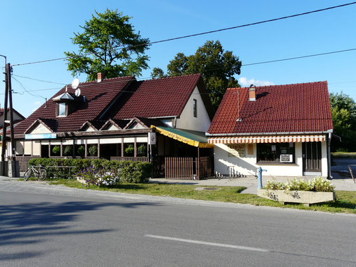 Molnar Büfé (Kneipe - Kuchen - Eis) & Blumengeschäft