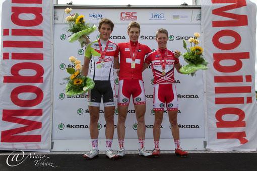 Podest Kategorie U23: Silvan Dillier (2.), Marcel Aregger (1.) und Patrick Schelling (3.)
