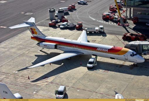 Iberia MD-87 EC-FFI/Courtesy: Jordi Palacio Granado