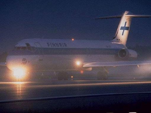 DC-9-51 der Finnair mit nächtlicher Beleuchtung/Courtesy: Finnair