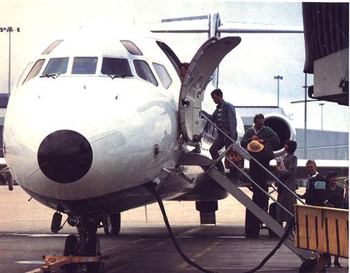 Einst typische Stimmung beim Boarding einer MD-83 der Airtours/Courtesy: Airtours International