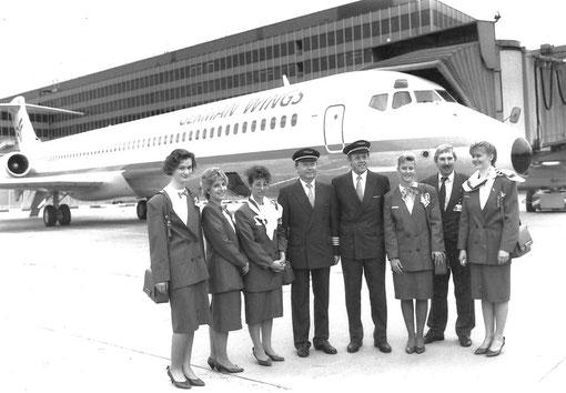 Besatzung vor ihrer MD-83/Privatsammlung/German Wings