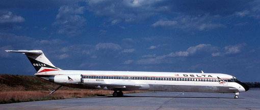 MD-82 mit rundem Heckkonus/Courtesy: Michael Carter