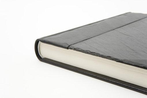 Schieferbuch Fadenheftung Leder Schwarz