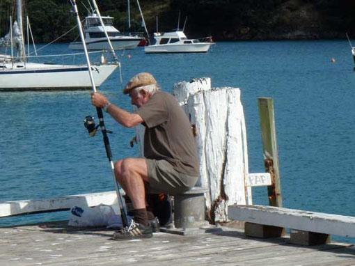 attention un pêcheur peut en cacher un autre