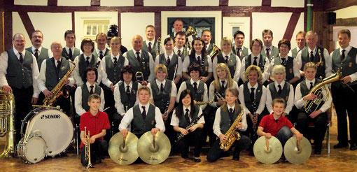 Die Mitglieder der Musikkapelle Walpersdorf e.V. 2011 unter der Leitung von Martin Hommerich