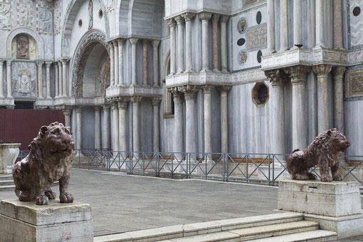 Venedig: Berühmte Bestattungsorte in der Altstadt