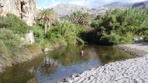 abduschen im Süßwasser-Fluß