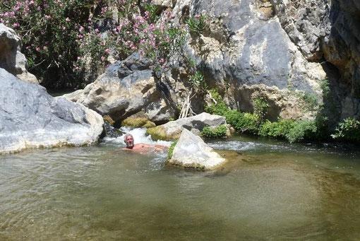 erfrischende Badegumpen im Preveli-Fluß