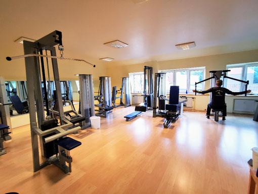 Kineo Rückenzirkel, Trainieren mit dem eigenen Körpergewicht, mit Kleingeräten, Bellicon Trampolinen, funktionelles Training mit dem Redcord Schlingentraining