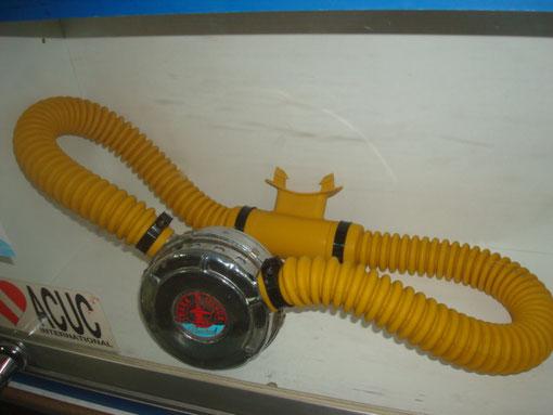 Nemrod V2, tubos en amarillo, Diego Mundo submarino