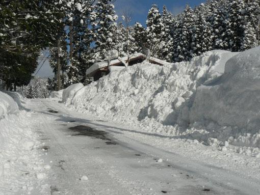 2mの雪の壁