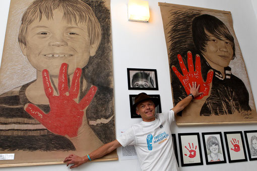 Spendenübergabe an UNICEF im November 2011 im Museum