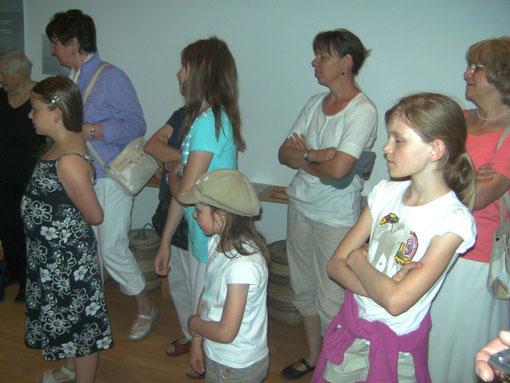 ...und beim Ausflug im Mai im Frankfurter Bibelhaus.