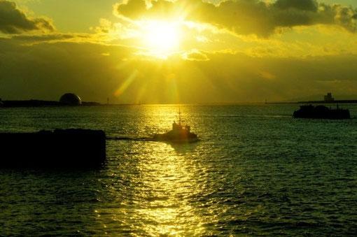 「かがやく港」(大阪・天保山桟橋)  撮影者:中野治朗