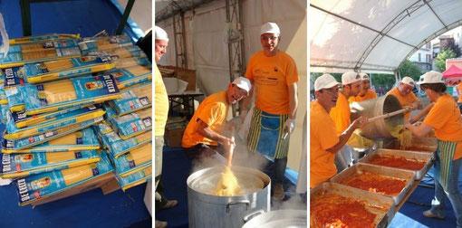 1日5万食×2日のアマトリチャーナが作られます。ボランティアたちは非常に慣れた手つきでしたよ★