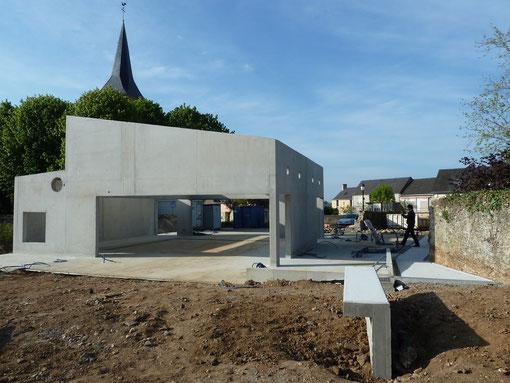 Réunion de chantier du 14 avril: la salle vue du jardin.