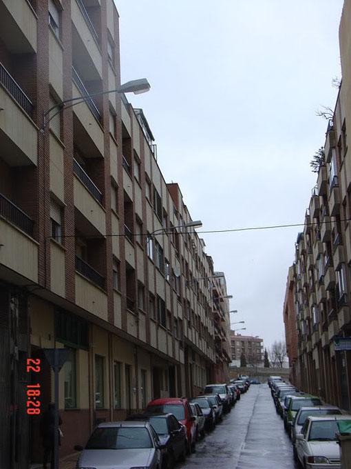 Calle Alegra, El resultado general en las calles laterales de esta zona es este (vista de la calle la Alegría desde el camino de las Aguas)