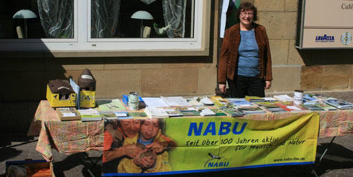 NABU-Stand auf dem Markt am 9. April 2011
