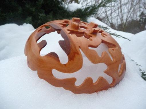 Schale aus Apfel, Durchmesser ca. 28 cm, Oberfläche geölt, 60 €
