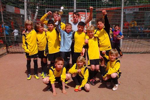 TuS E2: Zweiter beim Turnier in Bergeborbeck, 17.05.2012 (Foto: p.a.)