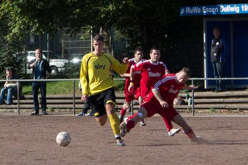 Zweite Mannschaft: Nach einem 3:1 Erfolg in Dellwig weiterhin punktgleich an der Tabellenspitze (Foto: r.f.).