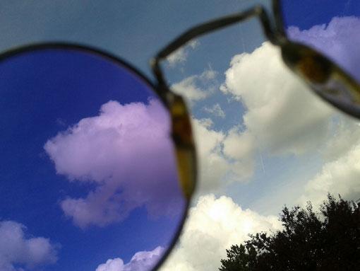 Mit Brille hast Du mehr Möglichkeiten. Rosarot rosa rot rosa-rot Klarsicht
