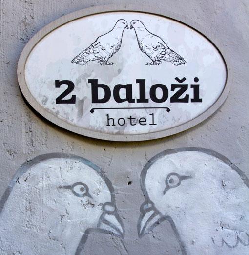 Kuldygos romantika viešbutyje du balandžiai